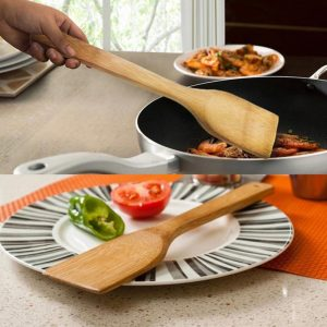 Wooden Spatula: Makes Cooking Quiet Easy