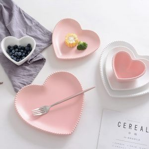 Heart Shaped Plates: Stylish And Cute Tableware