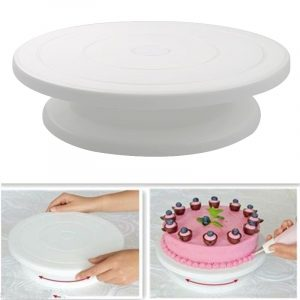 Plastic Cake Stand: Ideal Tool For Displaying Food