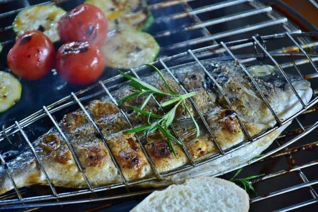 how to grill fish in a pan