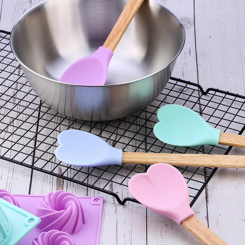 Kitchen Tools Cookie Spoon Baking Accessories Heart Shape Silicone Heart Shape Pastry Spatulas With Wooden Handle Cookie Spoon Baking Spatulas Spoons